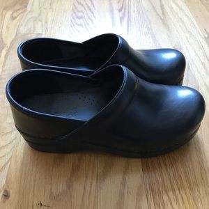 "Dansko ""Professional"" Clog- Black Cabrio Leather"